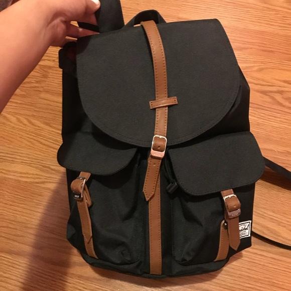a2edc09296f Herschel Supply Company Handbags - Herschel Dawson XS